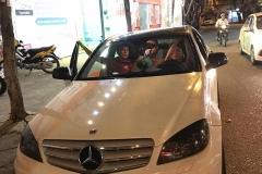 Mercedes-len-camera-guongcam-lui_5